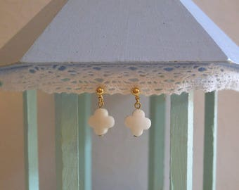 White clover earrings and gold