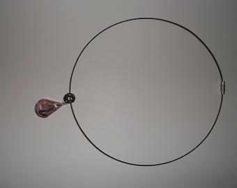 neck stiff pendant