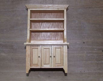 Dresser wooden varnish 9.5 cm x 14.5 cm 4.4 cm depth