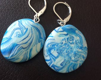 These earrings look marbling for various occasions!