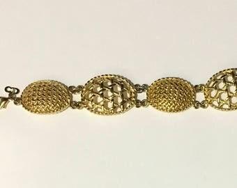 """Christian Dior Signed Gold Tone Basket Weave Oval Link Statement Bracelet 7"""" Christmas Holiday Vintage"""