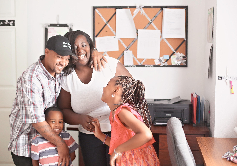 Cómo la tienda de Etsy de una madre salvó a su familia del desahucio