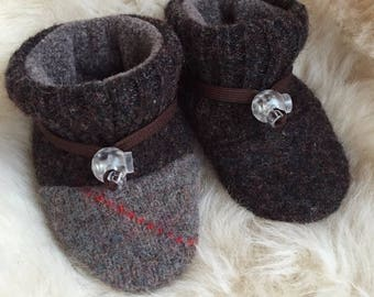 Toggle Toes brown wool slipper, non-slip soft sole shoe, in infant 4-12 months or baby shoe size 1-3.5