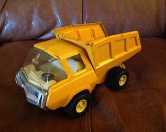 TONKA Toy . Lorry , Dump truck . Yellow 1960's / 70's