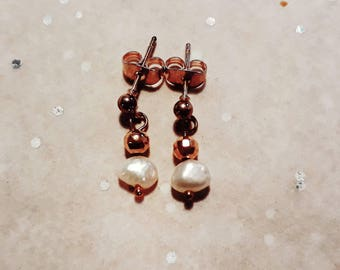 Copper earrings with freshwater pearls, plain and elegant, handmade