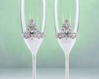 White Wedding Glasses Champagne Glasses  White Wedding Flutes Toasting Glasses White Wedding  Platinum Wedding Glasses Silver Wedding Glass