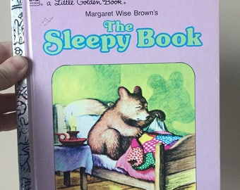 1975 The Sleepy Book - By Margaret Wise Brown - Pictures by Garth Williams - A Little Golden Book - Vintage and Used