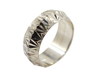 Silver ITALY ring with unique faceted form