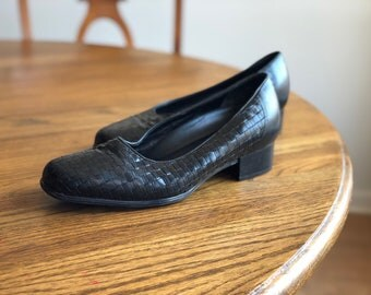 Vintage Black Woven Leather Loafers Black Woven Leather Shoes, Women's Size 7.5 Wide