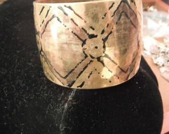 Vintage Goldtone Bangle Bracelet with Design