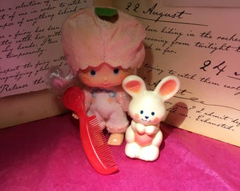Vintage Strawberry Shortcake Apricot and Hopsalot with comb from 1980's