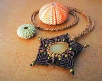 Necklace with citrine quartz stone