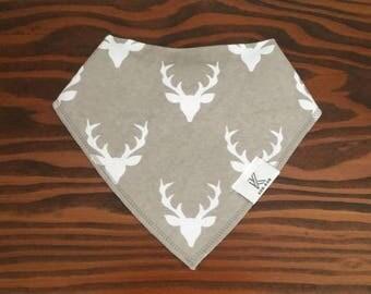 Buck forest bandana bib