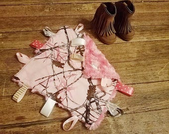 Pink  Camo Tag Blanket