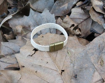 Handcrafted Leather Magnetic Bracelet, Ivory