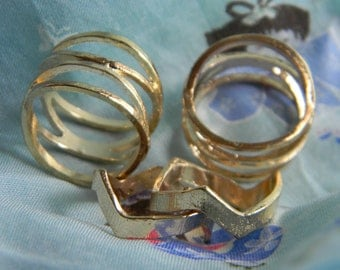 Lot of 4 Gold rings