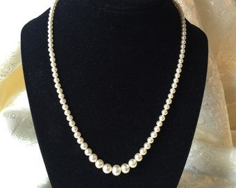 Ivory Faux Pearl Necklace Graduated