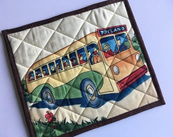 Handmade pot holder, School Bus, Back to School, Vintage or Retro fabric, Insulated Pot Holder, Trivet, Hot Pad, Quilted Hot Pad