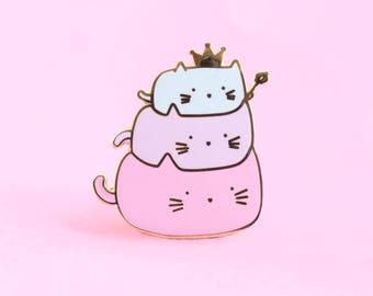 Cute Cat Pin   cat enamel pin , adorable cat pin, hat badge lapel