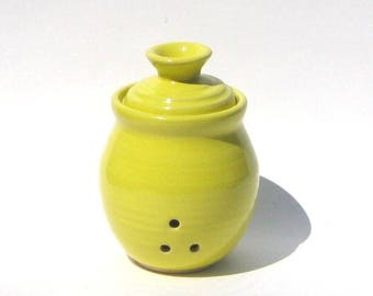 Garlic Keeper - Knock You're Hat In The Creek Yellow