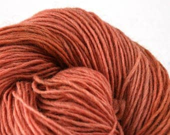 Valkill Hand Dyed DK weight NYS Wool 252yds/ 230m ~4oz/113g Boudoir Bench