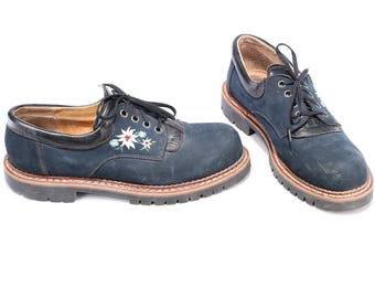 Hiking Shoes Men's 80s Vintage Swiss Ethno Shoes Navy Blue Floral Embroidery Lace Up Rugged Sole Wide Fit Eur 41  Us Mens 8  UK 7.5