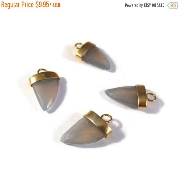 Summer SALEabration - Gray Chalcedony Pendant Point, One Gold Plated Bezel Set Pendant, 20mm x 13mm, Faceted Gemstone Charm for Making Jewel