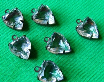 SALE 30% Off Crystal Clear 10X9mm Vintage Heart Glass Drops 6 Pcs
