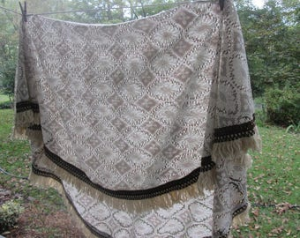 """Vintage Round Fringed Lace Tablecloth - Cream/ Beige/ Brown - 72"""" Across"""