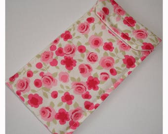 Case for an iPhone 6 or 7 Plus Mobile Cell Phone Cozy Sleeve Pink Roses