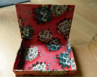 Antique textile  haberdashery box - french shabby chic box - Red french sewing box - Gloves box