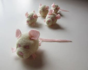 1 Baby Mouse, cat toy, catnip stuffed, soft sculpture, needle felting, needle felted Wool, white rat, Kitty, Toy, handmade, natural