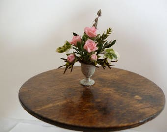 Roses for your one 12th scale house. A Miniature Flower arrangement (one inch scale)