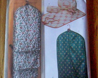 Butterick 6236  Garment bags, totes and accessory cases sewing pattern