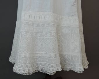 Antique Petticoat with Amazing Lace, up to 31 inch waist, 1900s Vintage White Cotton Slip