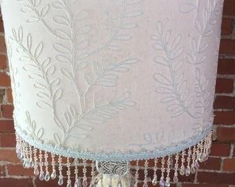 Lampe sur pied/lampe tissu crème/motif feuilles/lampe tissu de lin brodé/lampe d'ambiance/Les lampes de marie