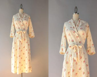 1940s Robe / Vintage 40s 50s Soft Cotton Floral Robe / 1950s Flower Bouquets Wrap Robe