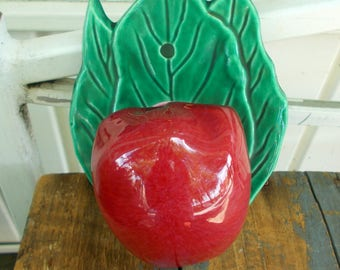 Red Apple on Green Leaf Vintage Wall Pocket Kitchen Wall Hanging / Retro Kitchen Wall Decor