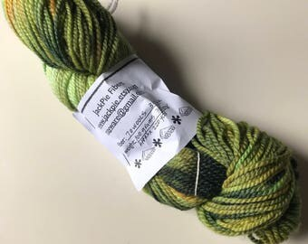 Mill spun 70 wool / 30 alpaca acid dyed mint green and olive green.