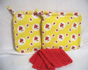 Mushroom, Insulated Pot Holders, Set of 2, With or Without Dishcloth, Hot Pad, Trivet, Potholder, Red & Yellow, For the Kitchen