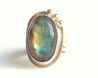 Blue flash Labradorite Sterling Silver Ring. Nature sterling silver Ring. Elvish Sterling Silver Ring. Statement Ring