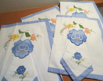 Placemats napkin set / set of 4 / deadstock / unused / with napkins / cottage shabby chic / outdoor dining / floral print / spring decor