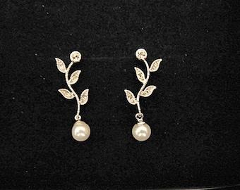 Pearl leaf wedding earrings bridal vintage inspired Art Deco 1920s/30s style pearl crystal drop wedding earrings silver wedding jewelry