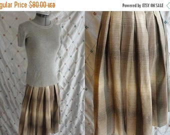 ON SALE 50s Skirt // Plaid Skirt // Vintage 1950s 1960s Brown and Green Plaid Wool Skirt with Metal Zipper Size S 25 waist
