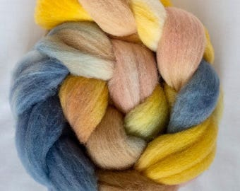 Hand dyed roving, Charollais, hand dyed top, Handspinning, spindling, fiber, fibre, wool sliver, felting materials, felting projects, spin