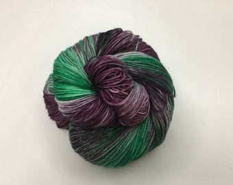 Merino Sock Wool Hand-dyed - Christmas Plum 4 ply