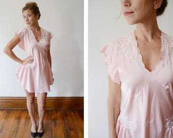 1980s Short Pink Embroidered Nighty - S