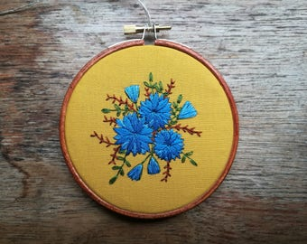 Handmade flower embroidery - 4 inch hoop - hand stained hoop