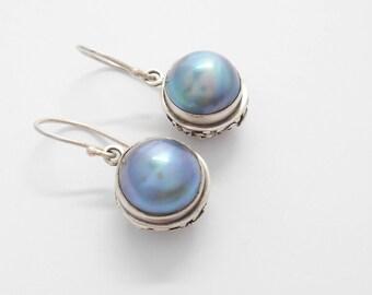 Striking Sterling Silver blue mabe  Pearl Dangle Earrings / silver 925 / Bali handmade jewelry / 1.25 inch / (#12m)