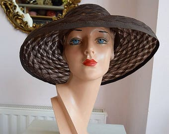 Woven Summer Hat in Dark Brown